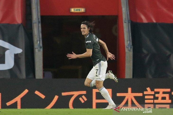 Edinson Cavani antar MU menang atas Southampton