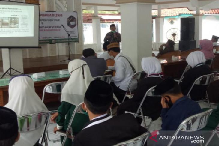 Baznas Pamekasan salurkan dana Rp464 juta untuk bantu beasiswa santri