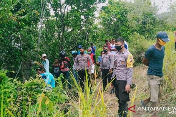 Polisi lidik identitas jasad ditemukan tergantung di hutan desa Leahari