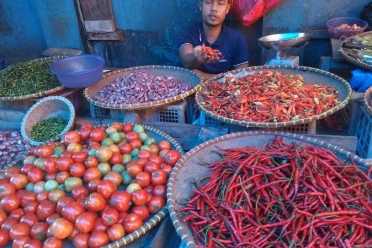 Harga cabai di  pasar tradisional di Lebak naik signifikan