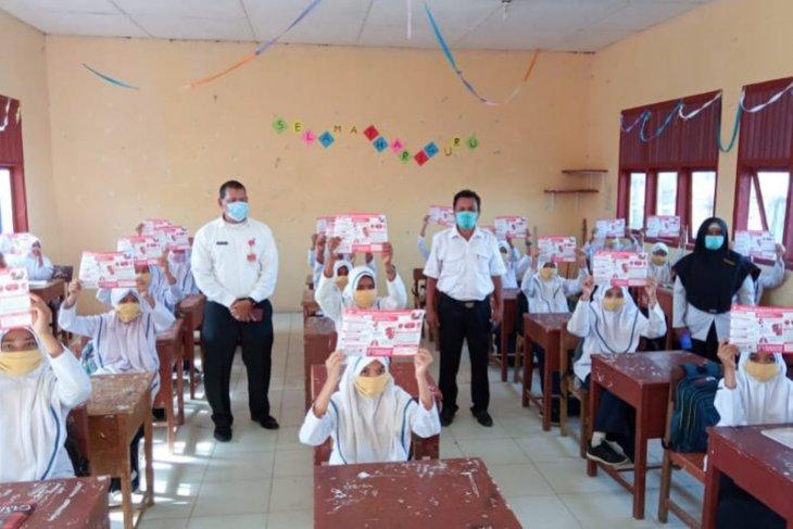 Cegah COVID-19, 62.203 pelajar Aceh Timur dibagikan masker