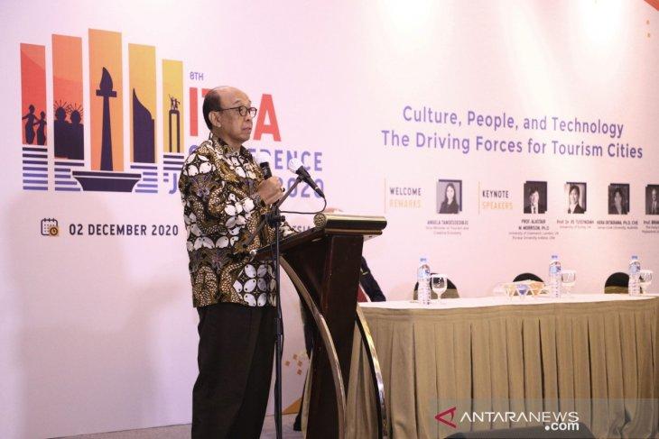 Konferensi Biennial The International Tourism Studies Association (ITSA) ke-8 yang diikuti oleh 16 negara dari lima benua tersebut.