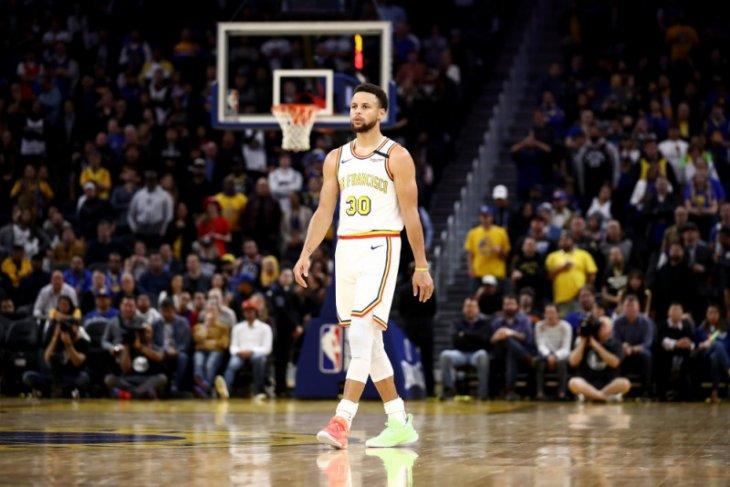 Steph Curry dan Durant berhadapan dalam laga pembuka NBA