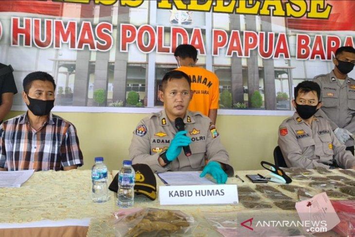 Polda Papua Barat ringkus bandar pemilik ganja 800 gram