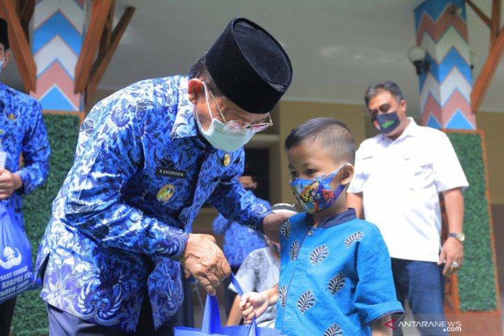 Tangerang salukan 3.000 paket sembako hasil donasi ASN