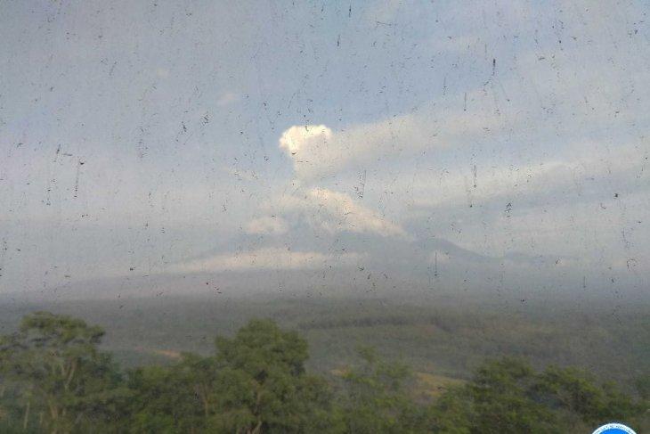 PVMBG:  Aktivitas Gunung Semeru masih fluktuatif