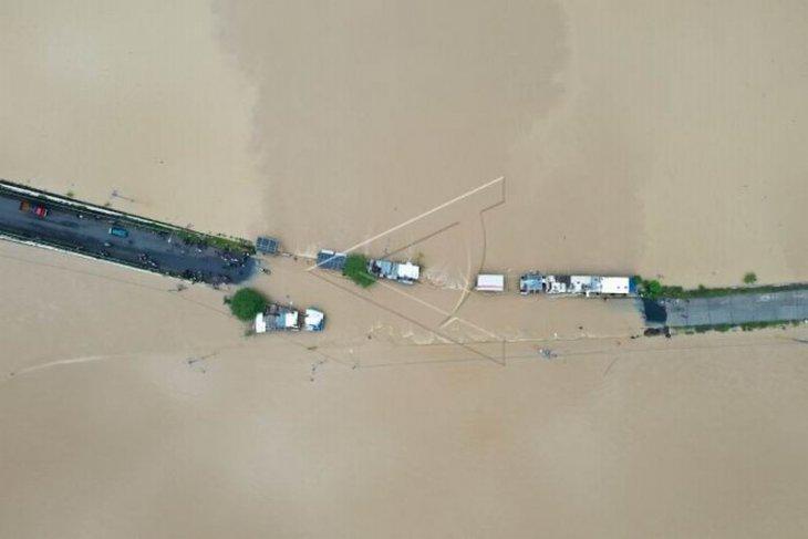 Banjir di jalur Banyumas-Purbalingga