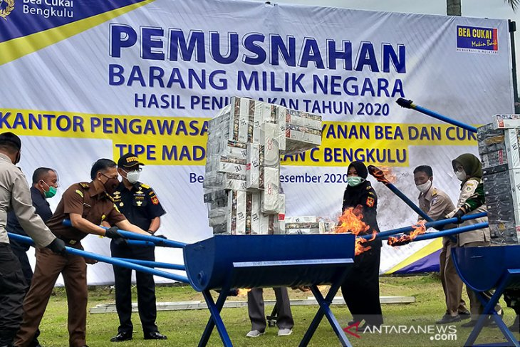 Bea Cukai Bengkulu musnahkan barang ilegal senilai Rp556,2 juta