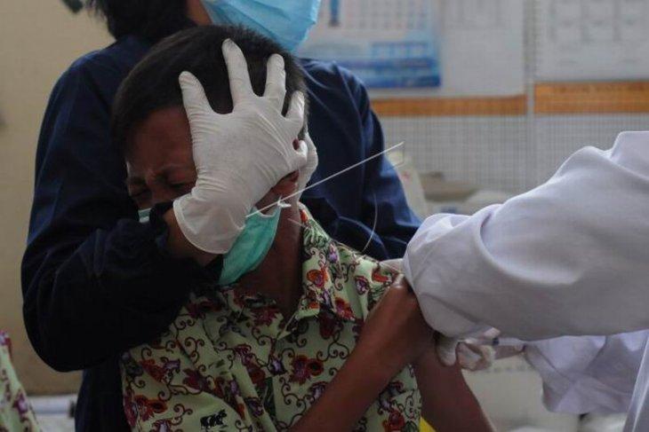 Imunisasi siswa sekolah