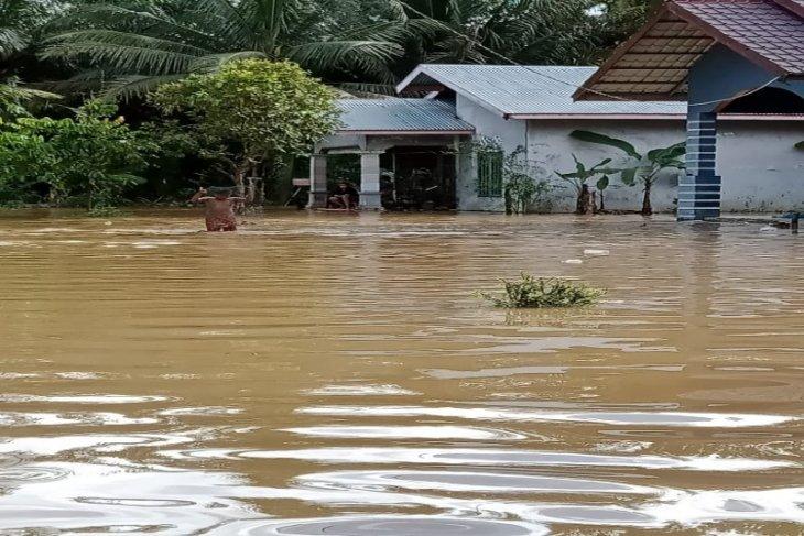Delapan kecamatan, 763 rumah di Kabupaten Langkat terendam banjir