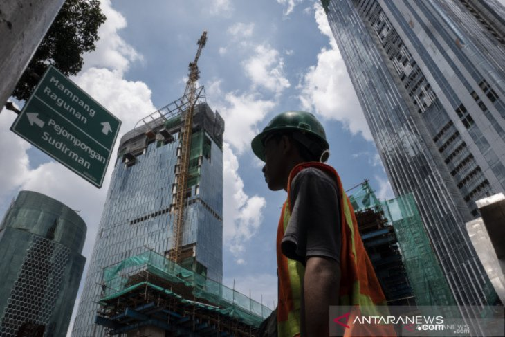 Government spending to remain key support for economy: ministry