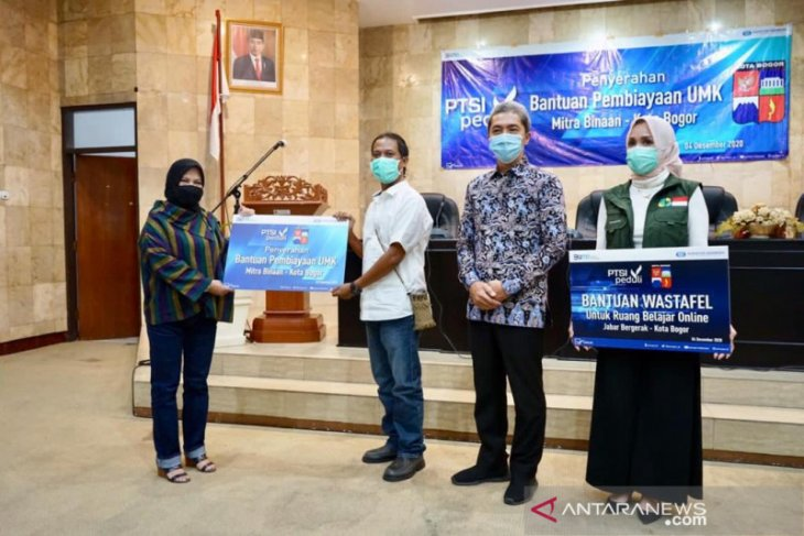 UMKM dan RBO di Kota Bogor mendapat bantuan pembiayaan dan wastafel