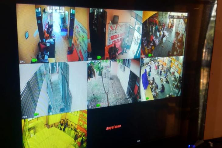 KPU Melawi awasi proses sortir logistik Pilkada 2020 dengan CCTV