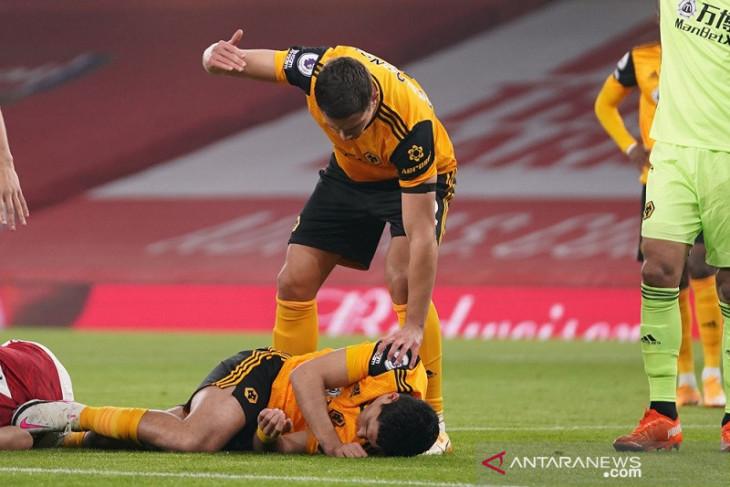 Pasca cedera kepala, Raul Jimenez  merumput lagi bersama Wolverhampton
