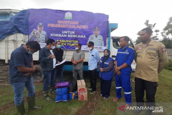 Pemprov serahkan bantuan masa panik banjir Aceh Timur