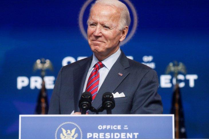 Biden pilih Xavier Becerra sebagai menteri kesehatan AS