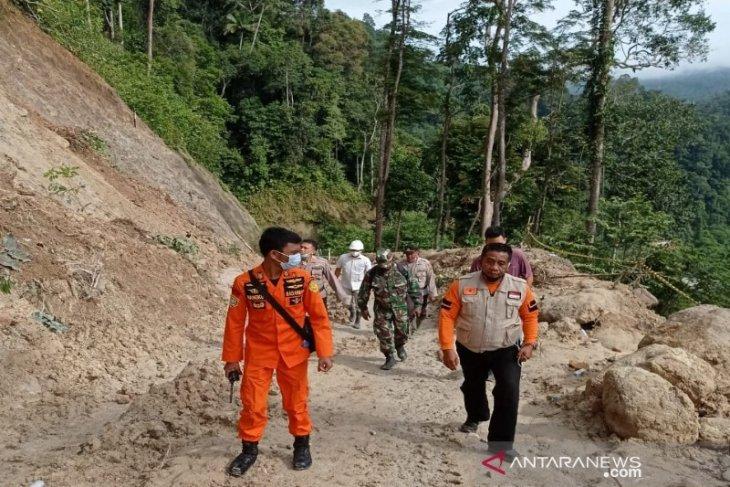 Basarnas Medan pimpin pencarian korban terseret longsor ke Sungai Batang Toru