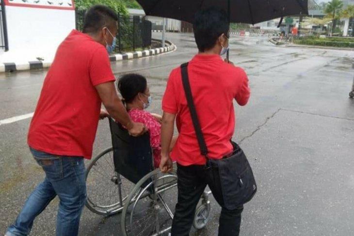 KJRI Kuching bantu kepulangan warga Probolinggo setelah kakinya diamputasi