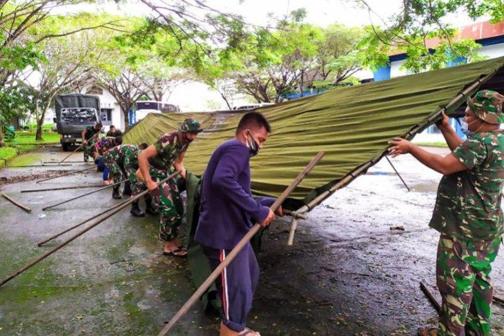TNI dirikan dapur umum bantu korban banjir di Aceh Timur