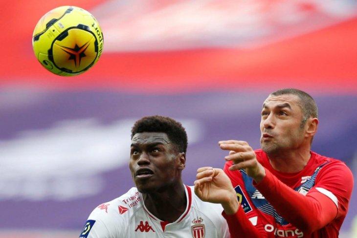 Liga Prancis: Lille jaga jarak poin dari PSG usai lumat Monaco