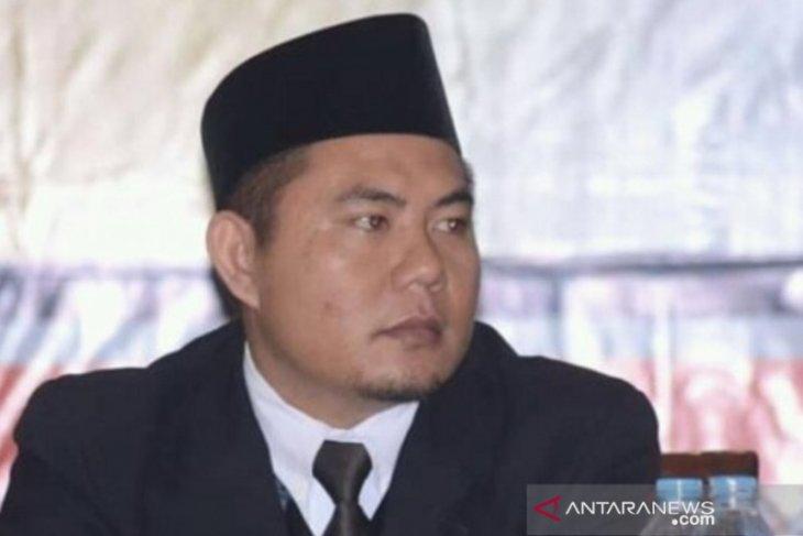 KPU Sambas himbau Paslon dan tim tertibkan APK di masa tenang