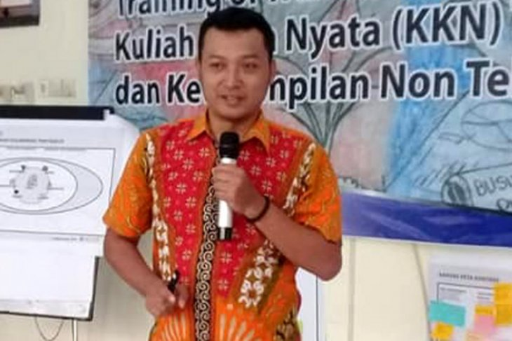 Dua menteri ditahan KPK, Pengamat: Presiden Jokowi harus evaluasi kinerja menteri