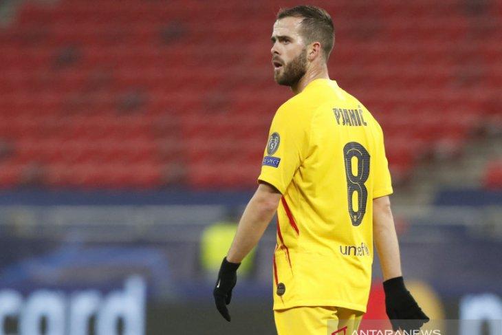 Miralem Pjanic frustrasi jarang dimainkan Barcelona