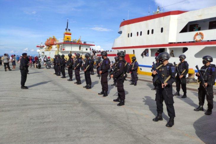 Polda Malut berangkatkan 835 personel pengamanan Pilkada 2020