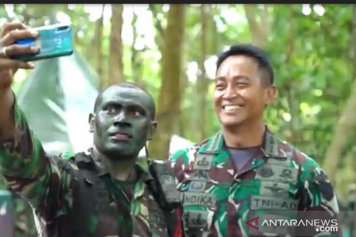 Kasad Andika Perkasa bimbing prajurit AD bak seorang bapak