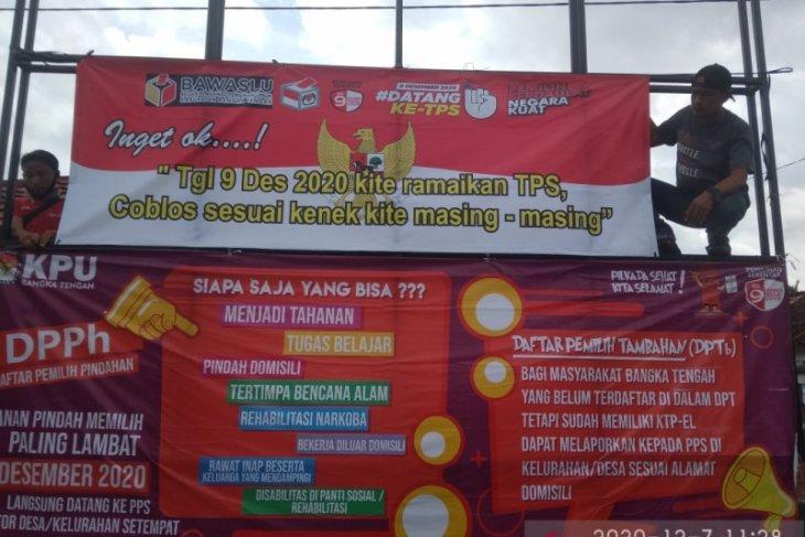 Polres dan PWI Bangka Tengah sebarkan spanduk larangan politik uang