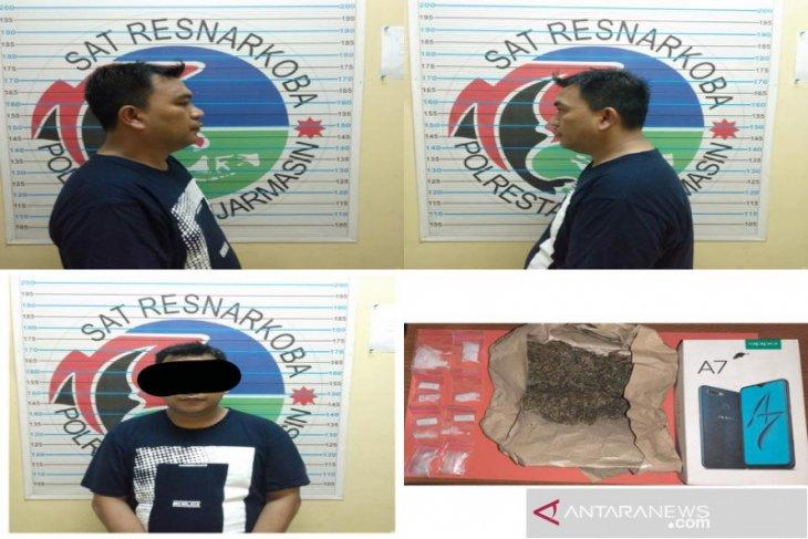 Karyawan swasta ditangkap miliki delapan paket sabu-sabu dan satu bungkus ganja
