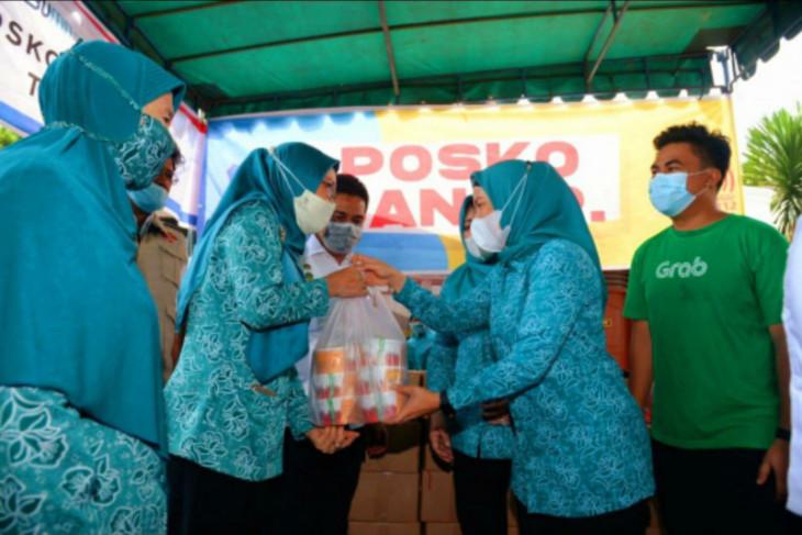 Grab dan TP PKK Sumut bagikan paket makanan bagi korban banjir di Medan dan Tebing Tinggi