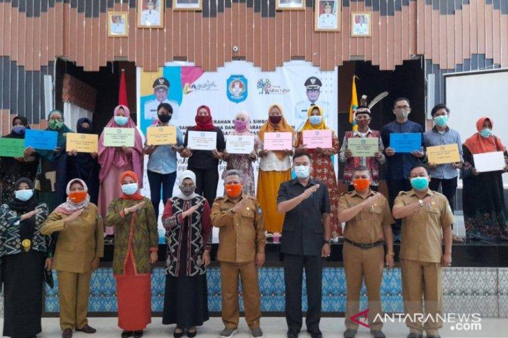 Pemkab Kubu Raya berikan bantuan untuk UMKM dan Koperasi berprestasi