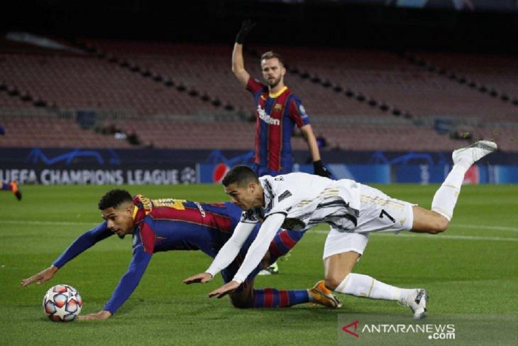 Ronaldo cetak dua gol, Juventus permalukan Barcelona 3-0