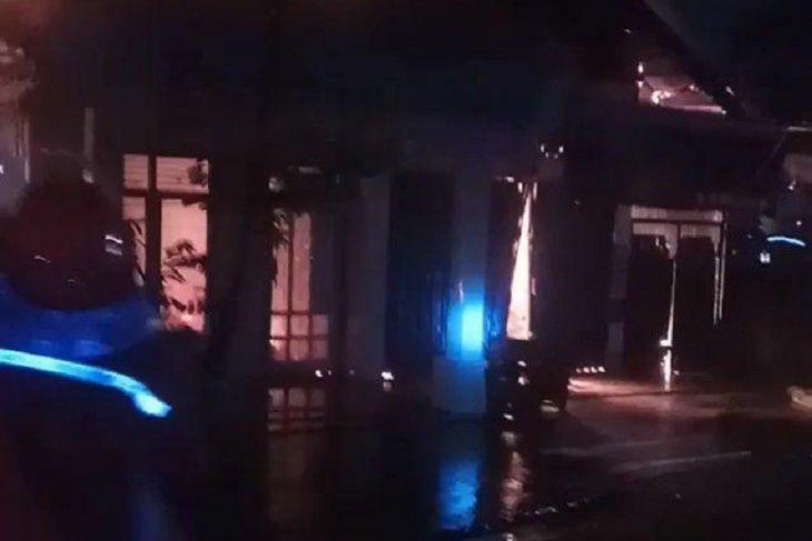 Dua korban tewas akibat satu rumah terbakar