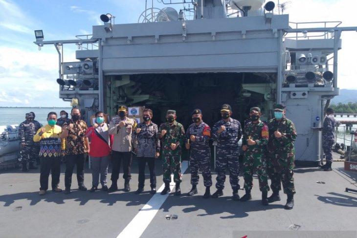 KRI Ahmad Yani warship delivers PPE to Kotabaru