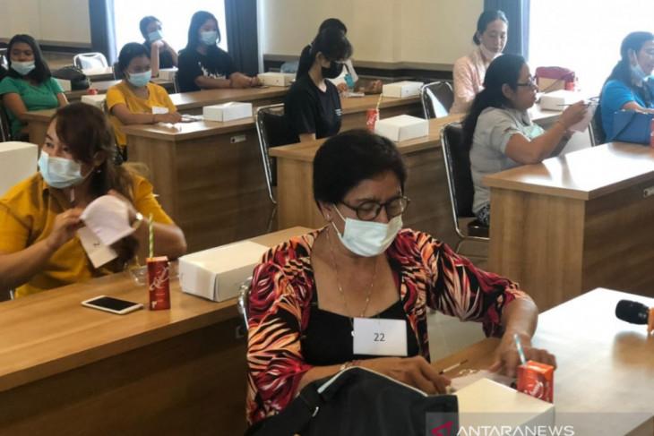 Desa Kesiman Kertalangu Denpasar adakan lomba melukis masker