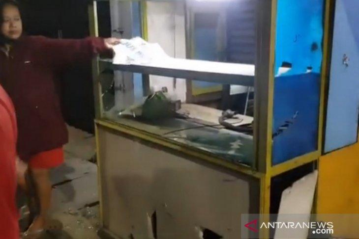 Pelaku tawuran di Jatinegara menjarah pengusaha kaki lima