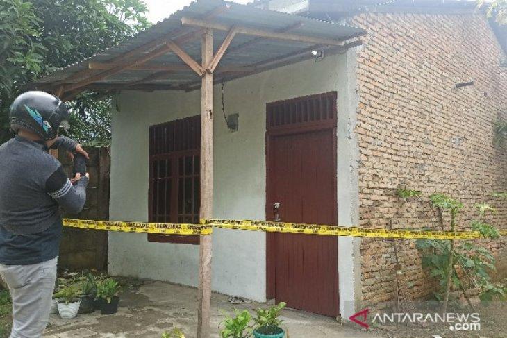 Seorang wanita ditemukan tewas dengan kondisi tangan dan mulut terikat