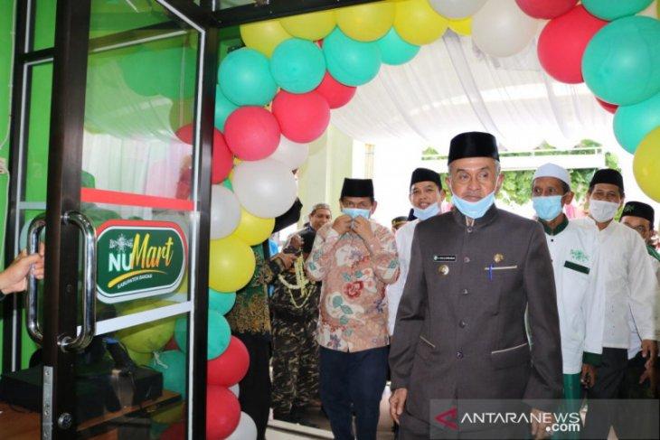 Banjar Regent inaugurates NU Mart in Martapura