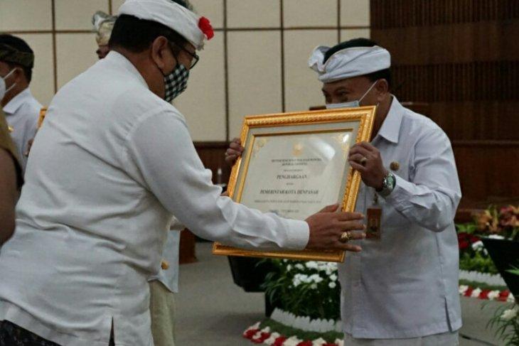 Pemkot Denpasar raih penghargaan Kota Peduli HAM