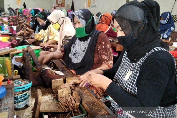 Serikat pekerja rokok minta Presiden Jokowi batalkan revisi PP Produk Tembakau
