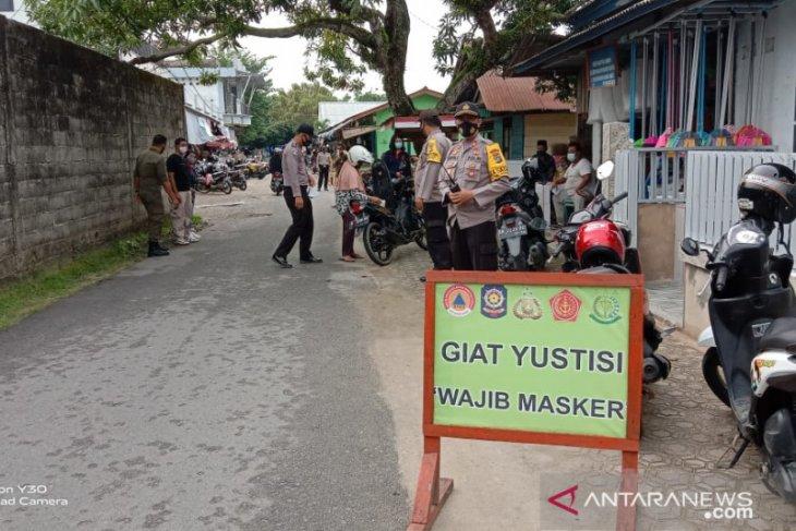 Tim gabungan menggiatkan operasi wajib masker di pusat perbelanjaan