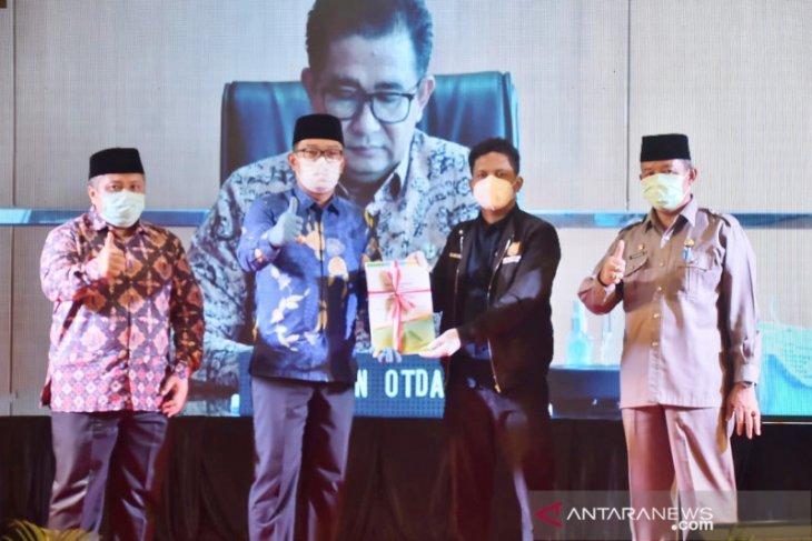 Gubernur Jabar serahkan dokumen pembentukan daerah Bogor Barat ke Ditjen Otda