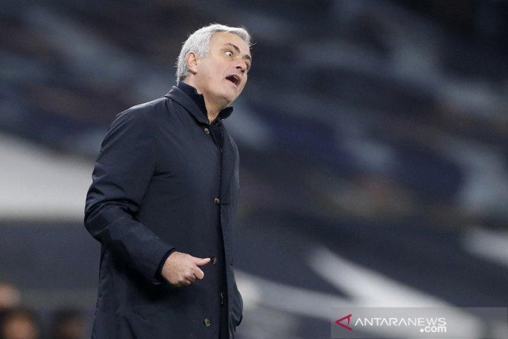 Jose Mourinho tolak jemawa dan pertanyakan badai cedera Liverpool