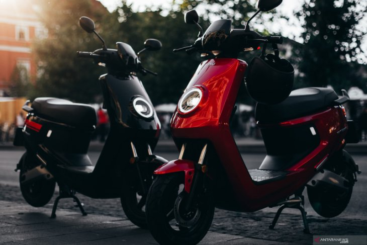 Skuter listrik masuk Indonesia, harga mulai Rp20,9 jutaan