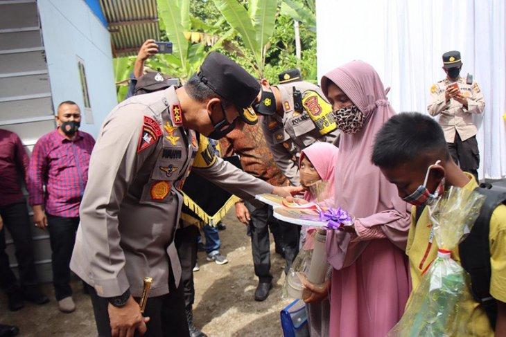 Kunjungi Pidie, Kapolda Aceh serahkan rumah dhuafa