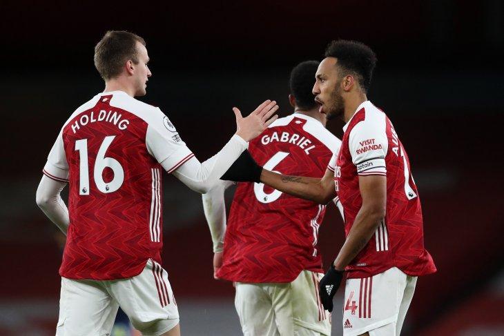 Arsenal imbang 1-1 lawan Southampton, Gabriel dapat  kartu merah