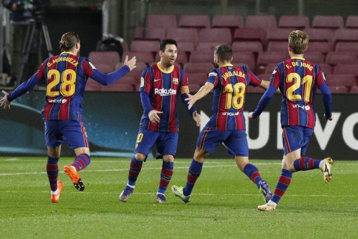 Barcelona mengalahkan pemuncak klasemen Real Sociedad 2-1
