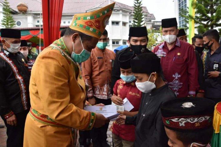 HUT ke-16 Kabupaten Bener Meriah, Pemkab santuni anak yatim